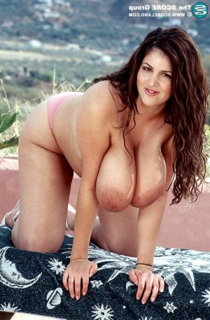 Seyna ssbbw escorts in Salina